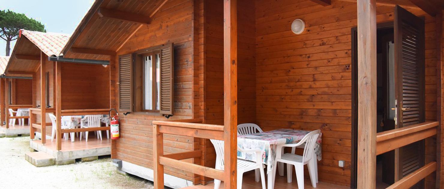 Bungalow a 2-4-6 posti letto al Camping Burlamacco con ...